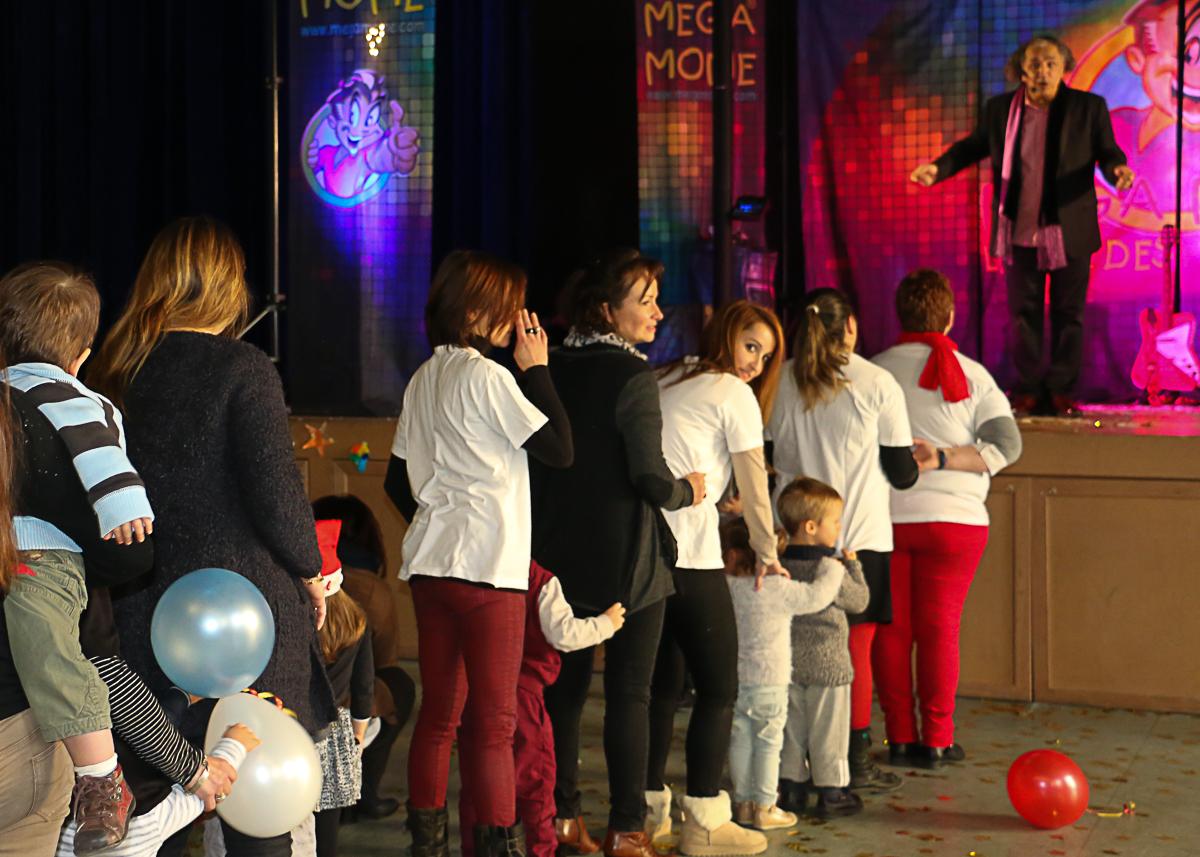 Noël en bal pour enfants pour la petite enfance
