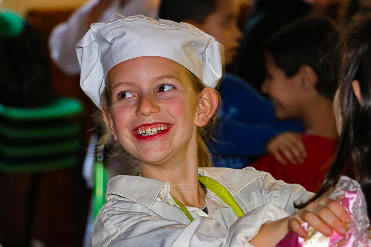 Bal pour enfants pour un génial samedi Carnaval. Déguisements, chants et danses