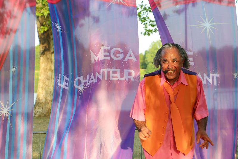 Eté 2019 – Le tour de France de Mega Mome Le Chanteur Activant