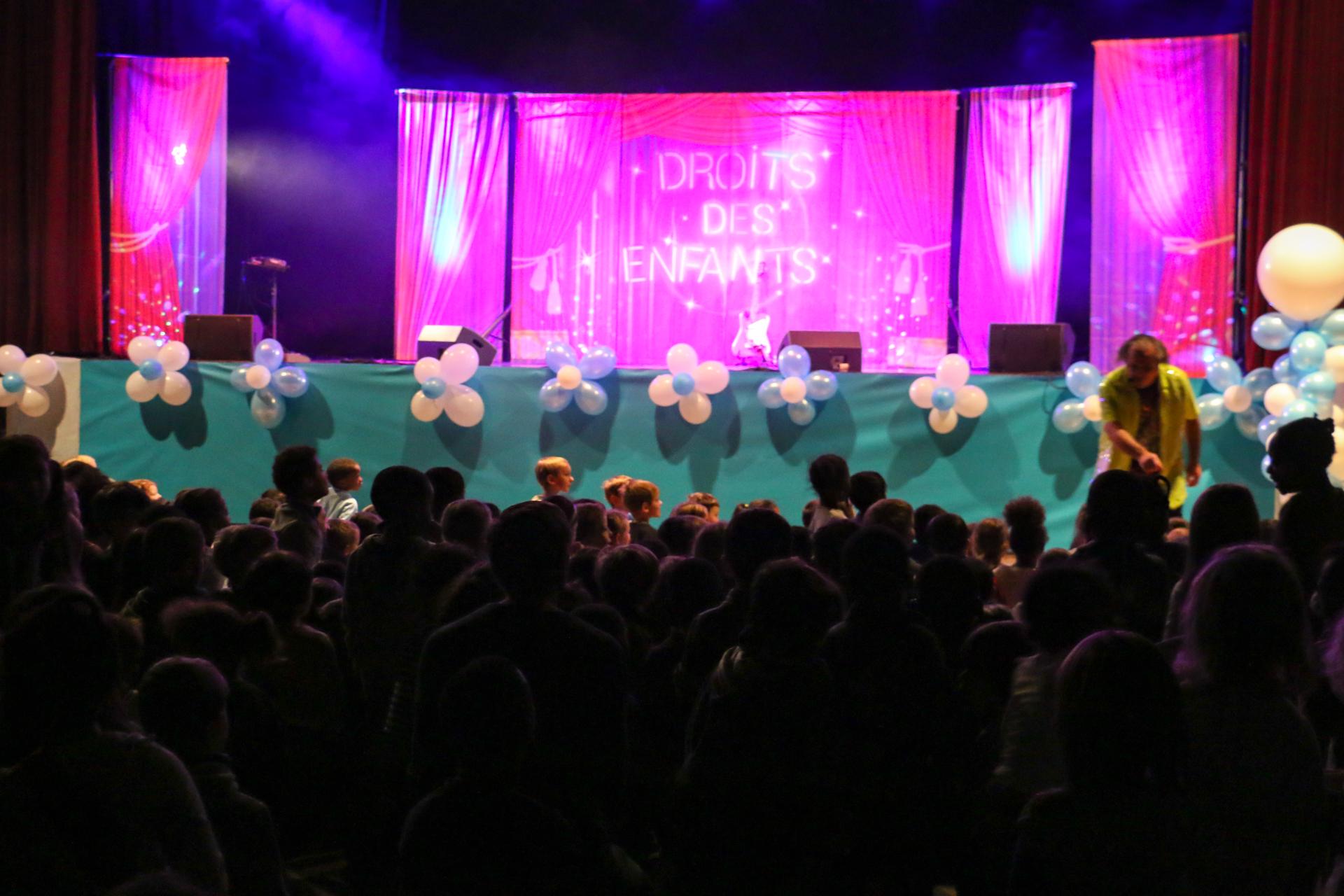 Mega Mome Spectacle theme Droits des enfants-Convention-30 ans-Unicef-CIDE